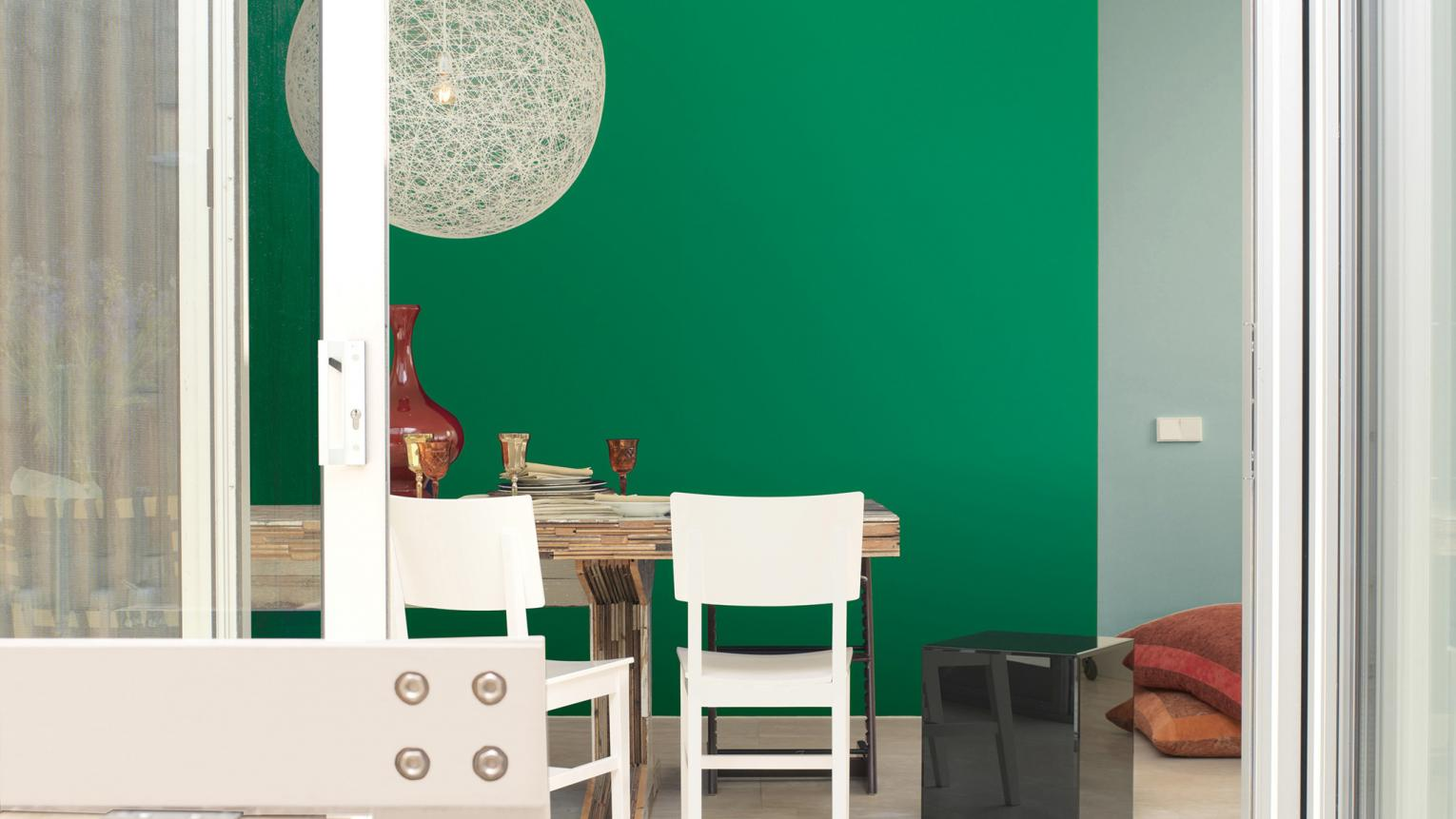 Painting a feature wall? Follow our expert tips to creating a wall that brings out your room's best design features.