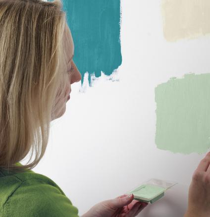 A little worried about choosing the right paint colours? With our expert tips, you'll learn to trust your colour instincts.